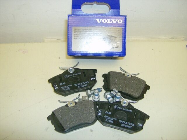 31262468 volvo s40 v40 1996 2004 rear disc brake pad kit genuine ebay. Black Bedroom Furniture Sets. Home Design Ideas