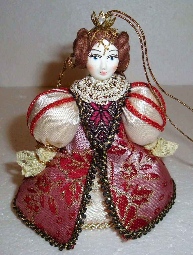 Beautiful Russian Doll Christmas Ornament Queen New
