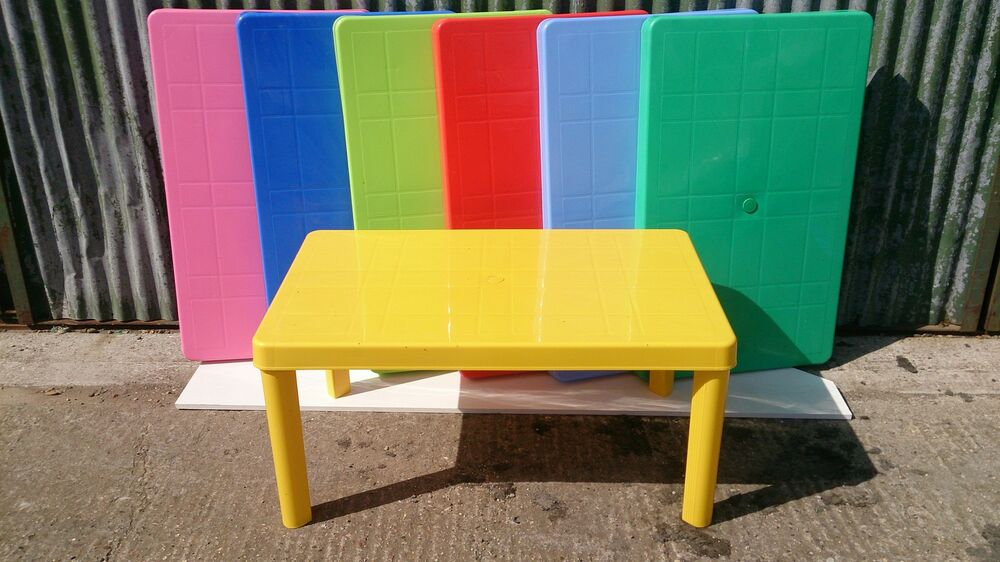 Children 39 S Large Plastic Rectangular Table And Chairs Ebay