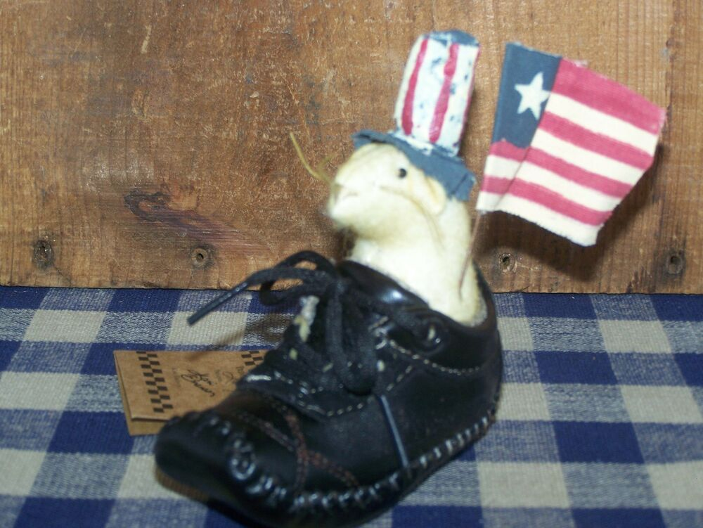 Patriotic Mouse In Shoe American Flag Home Decor