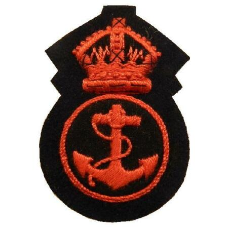 img-WWII Royal Navy Petty Officer Kings Crown WW2 Cloth Cap badge (red) ~ New