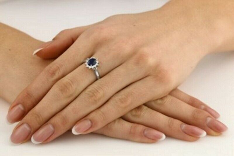 1Ct Diamond Look Engagement Ring