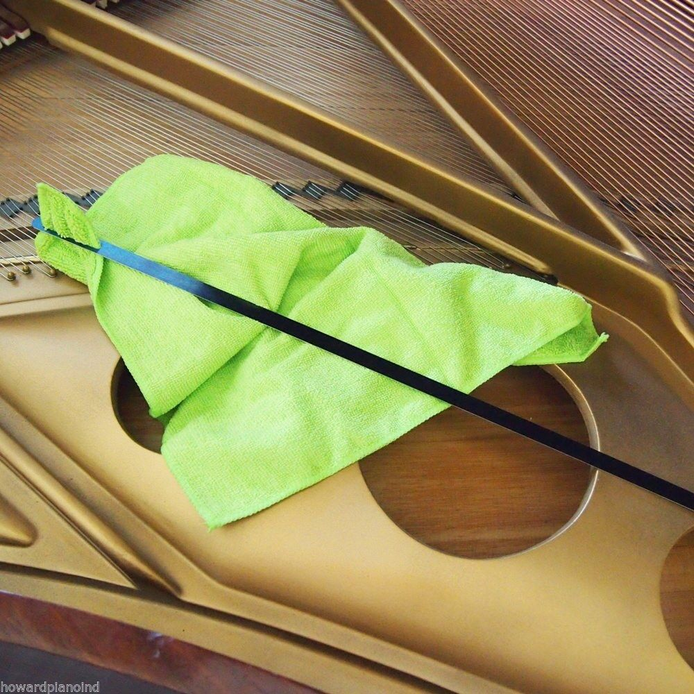 Microfiber Cloth Dusting: Grand Piano Soundboard Cleaner With Microfiber Dusting