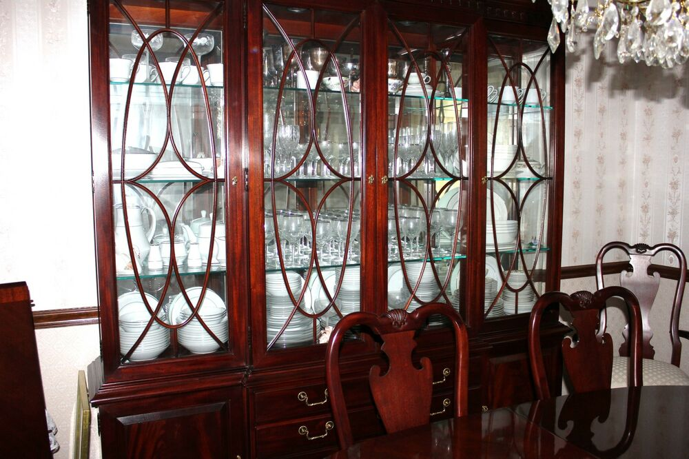 THOMASVILLE MAHOGAHY Dining Table 8 Chairs China Cabinet Sideboard Made In