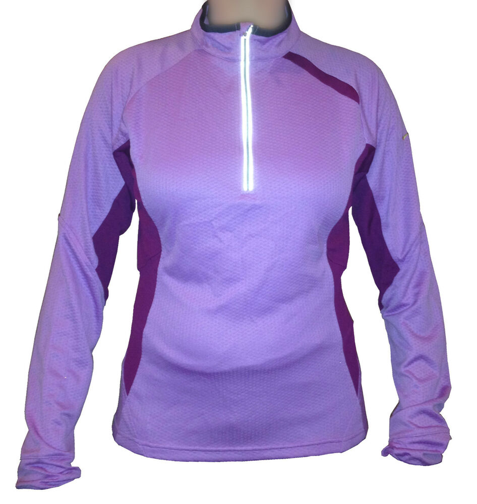 The right running jacket can recharge your run. Look for details like thumb holes to keep your jacket in place as you move and collars, mock necks and heads for extra coverage from the elements.