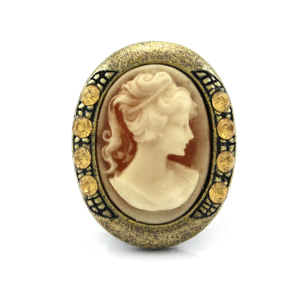 how to wear a cameo ring