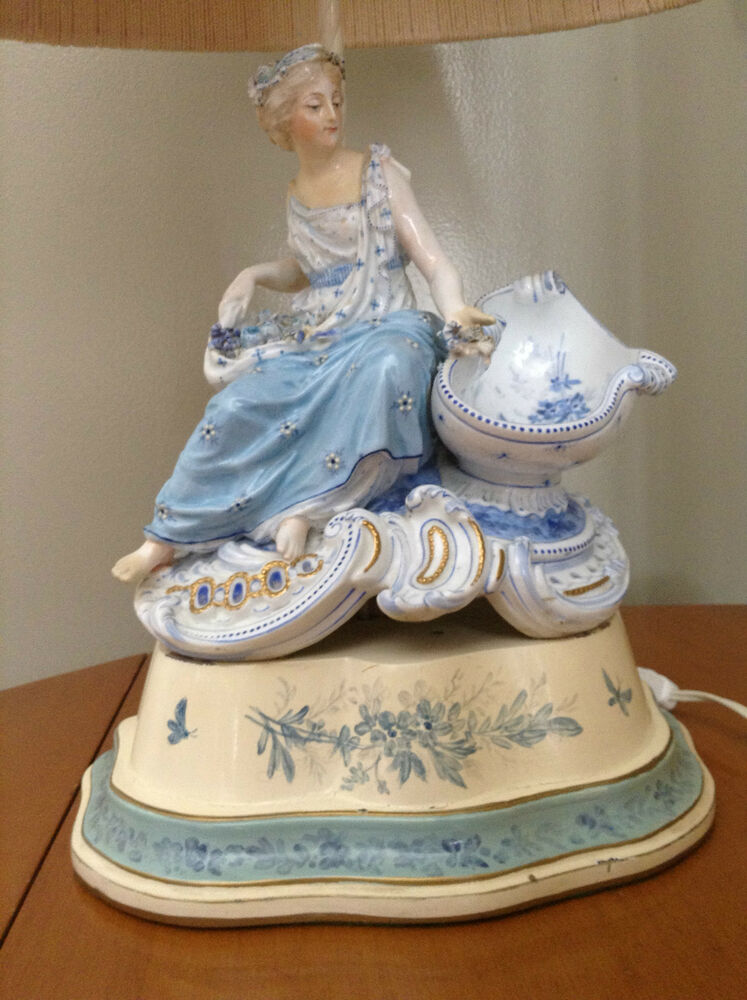Antique Porcelain Victorian Lady Figural Accent Table Lamp