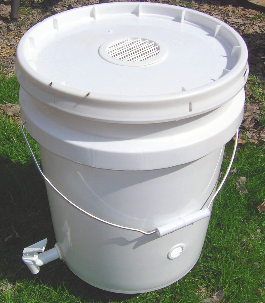 new worm composting bucket can use indoors vented. Black Bedroom Furniture Sets. Home Design Ideas