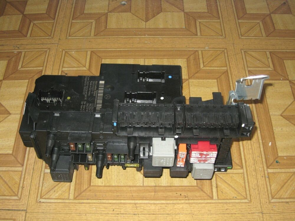 Fuse Box Mercedes W204 : Mercedes c fuse relay box
