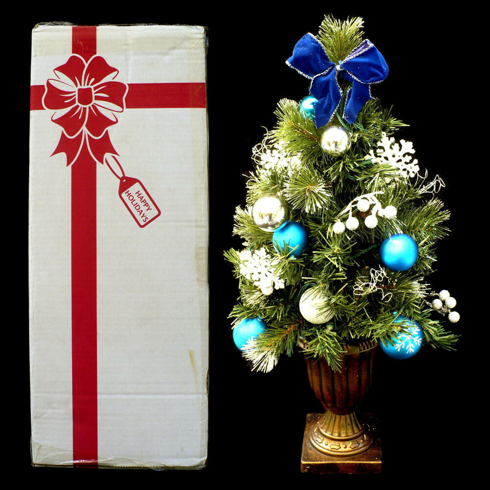 Small Battery Operated Christmas Tree: DECORATED CHRISTMAS TREE / BATTERY OPERATED LED LIGHTS