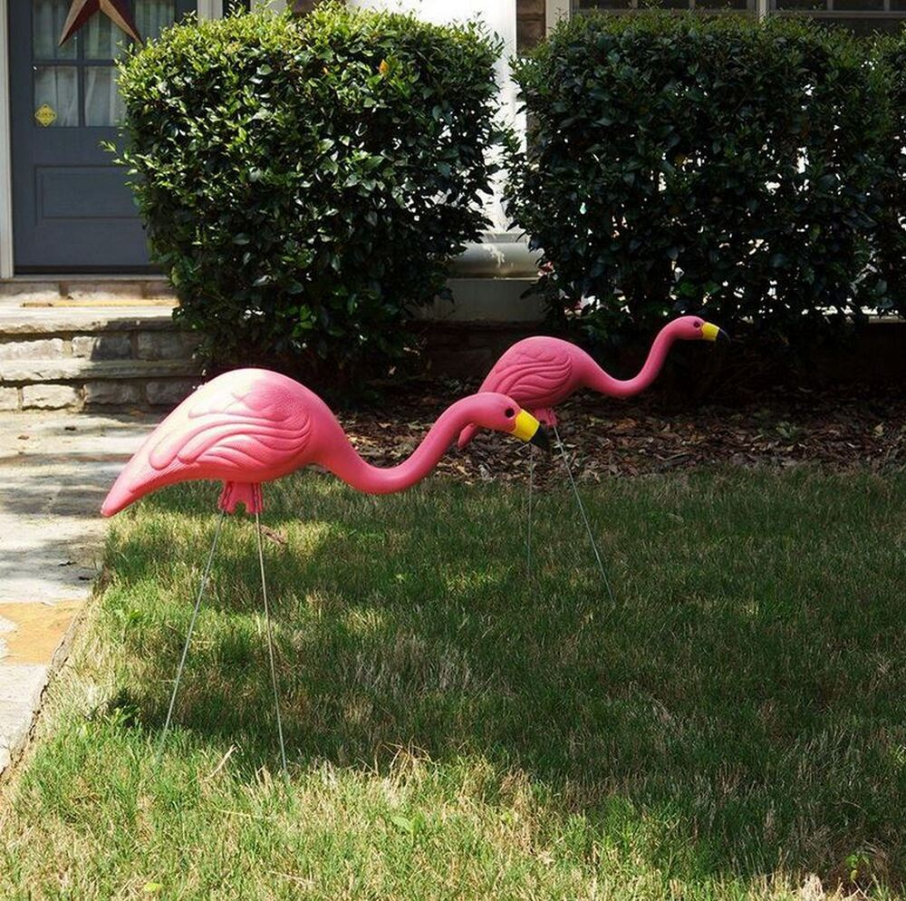 New 10 pack pink flamingos plastic flamingo set yard art for Lawn and garden decorative accessories
