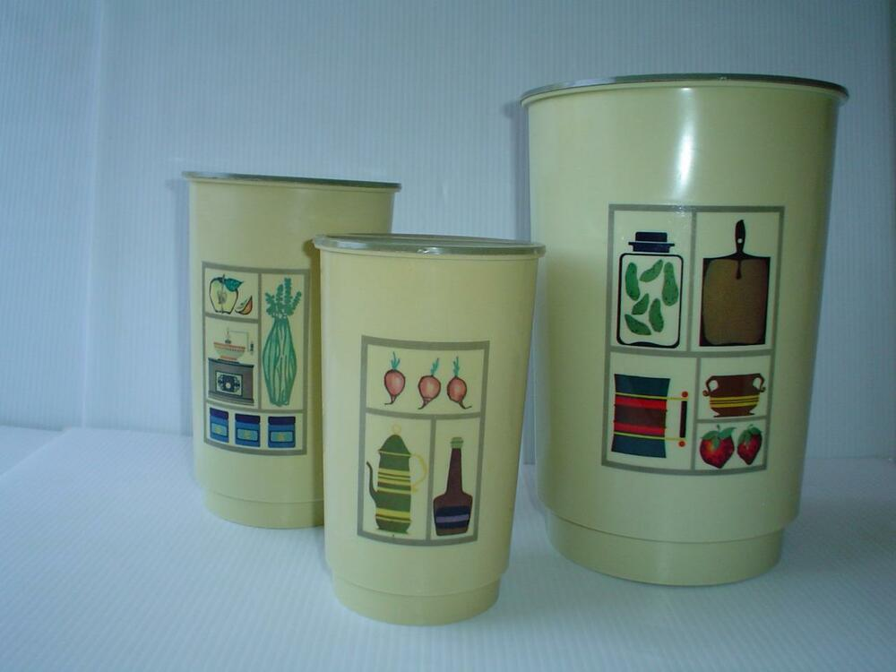 Vintage retro mid century plastic kitchen nesting canister for Plastic kitchen set