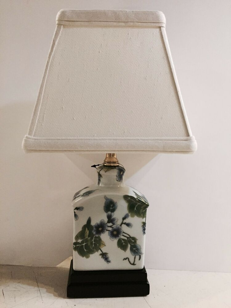 Colorful Oriental Table Lamp Asian Japanese Painting