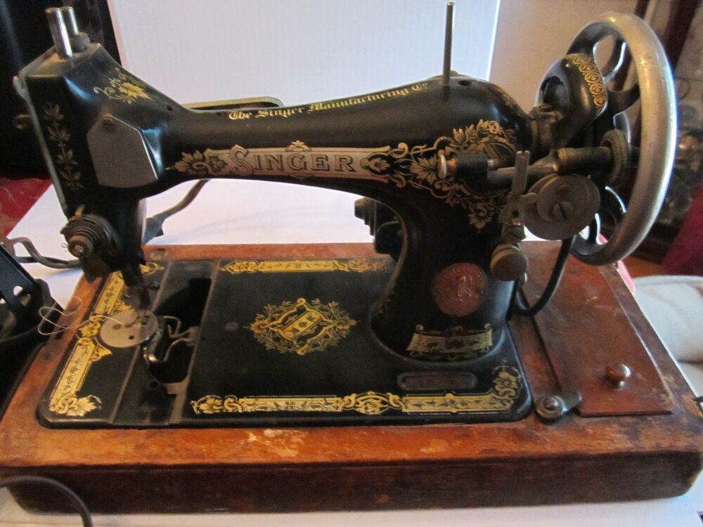 VINTAGE SINGER SEWING MACHINE - #G5786927 - BLACK & GOLD ...