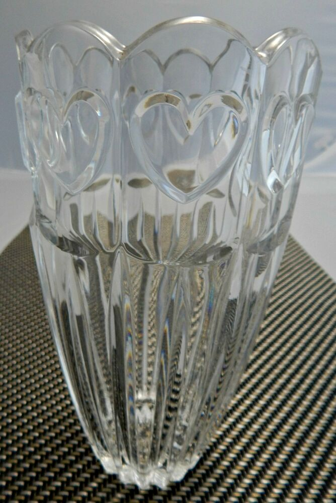 Used Gently Lead Crystal Heart Cut Vase 7 1 2 Quot H X 4 Quot W 2 Quot Round Base Ebay