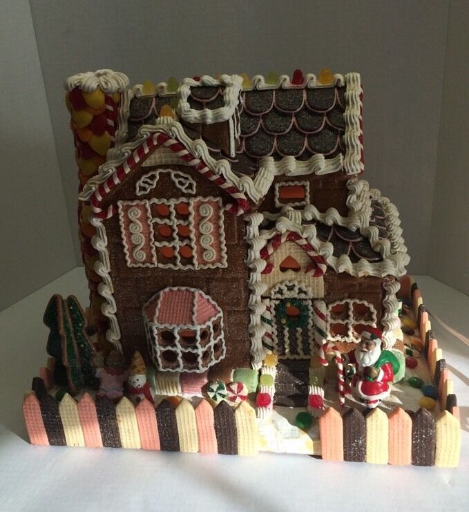 Vintage Christmas Light Decorations: Vintage Traditions Lighted Gingerbread House With Santa