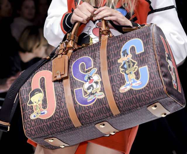 Aw15 Moschino Couture Jeremy Scott Looney Tunes Duffle