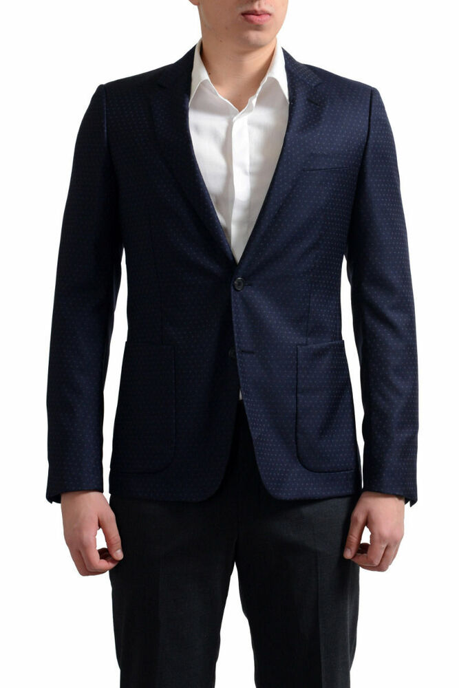 We have the finest and excellent Men's Italian Double Breasted Tuxedos, 1 to 4 button double breasted blazer with side vents which come is marvelous colors like navy blue and black. You can even try our Baroni Double breasted suit made from Super 's wool.