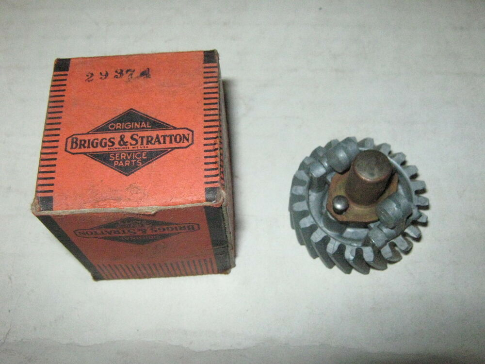 Old Engine Gears : Genuine old briggs stratton gas engine governor gear