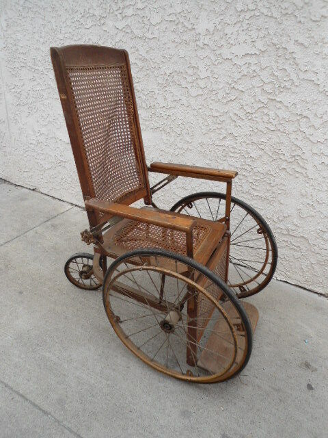 Old Fashioned Wicker Chairs
