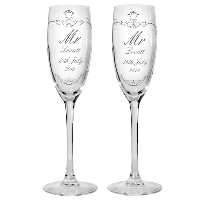 Wedding Gift Champagne Flutes: MR AND MRS Personalised Glass Champagne Flute Gift Set