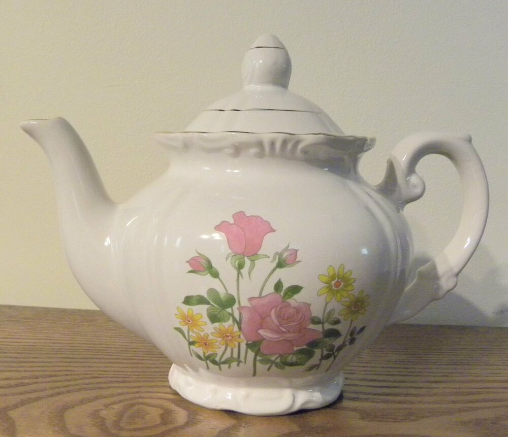 Vintage Porcelain Teapot Made In Japan With Flowers--tea