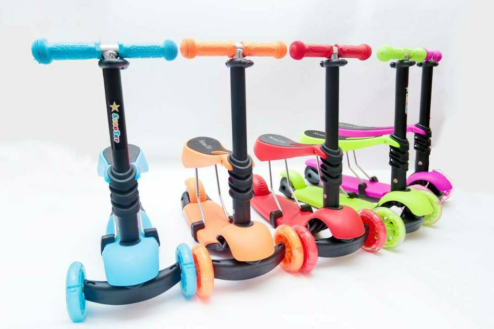 mini maxi toddler kick 3 in 1 4 in 1 scooters 1 6 6 10 gift flashing wheel ebay. Black Bedroom Furniture Sets. Home Design Ideas