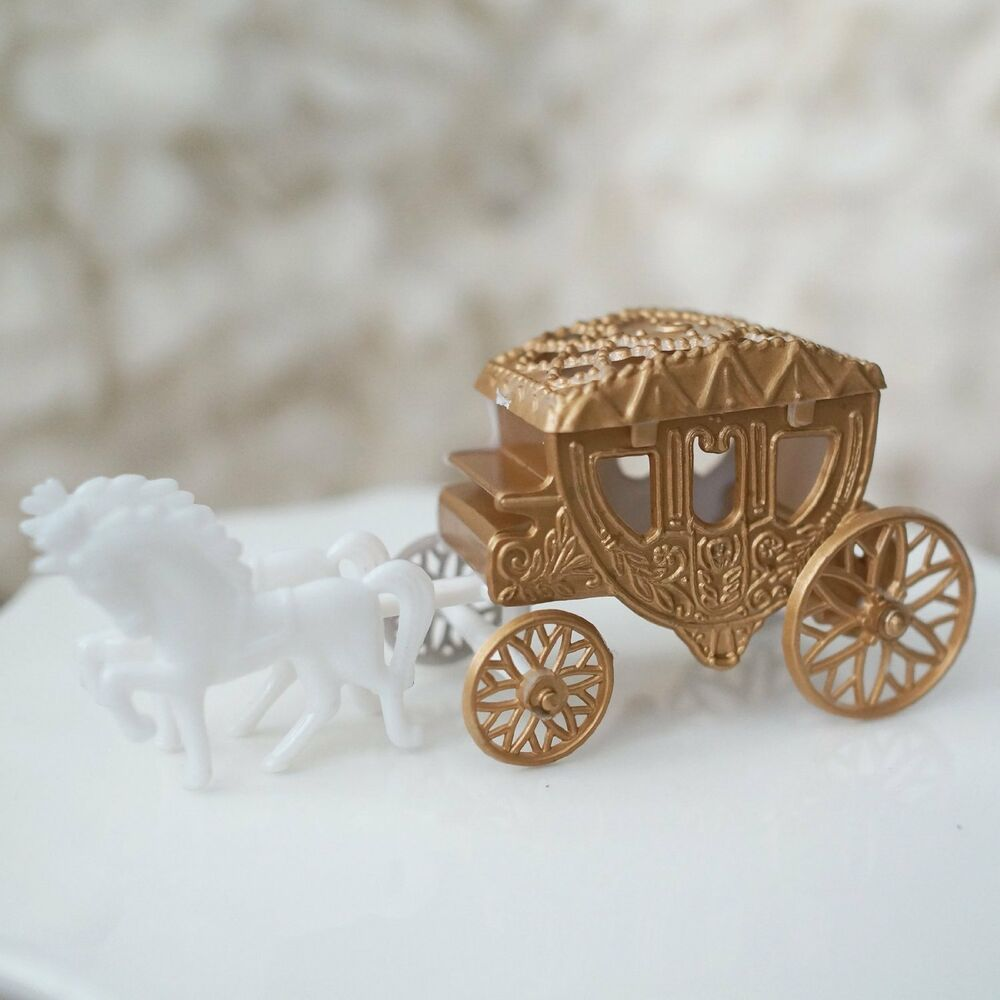 cinderella carriage wedding cake toppers royal vintage cinderella and carriage coach cake 12851