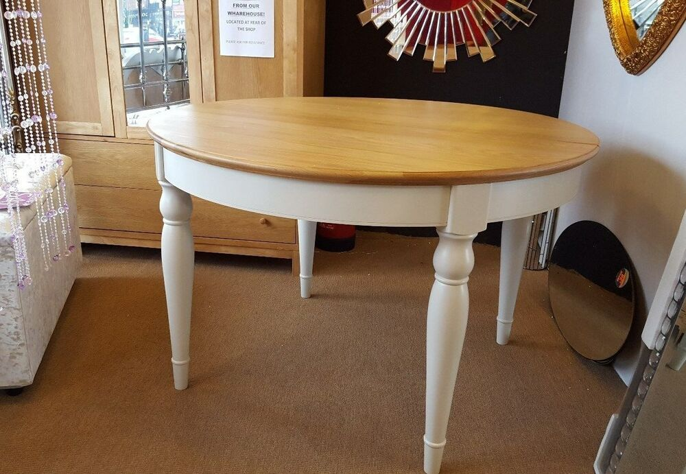 Bentley Designs Hampstead Two Tone Oak Round Dining Table  : s l1000 from www.ebay.co.uk size 1000 x 691 jpeg 121kB