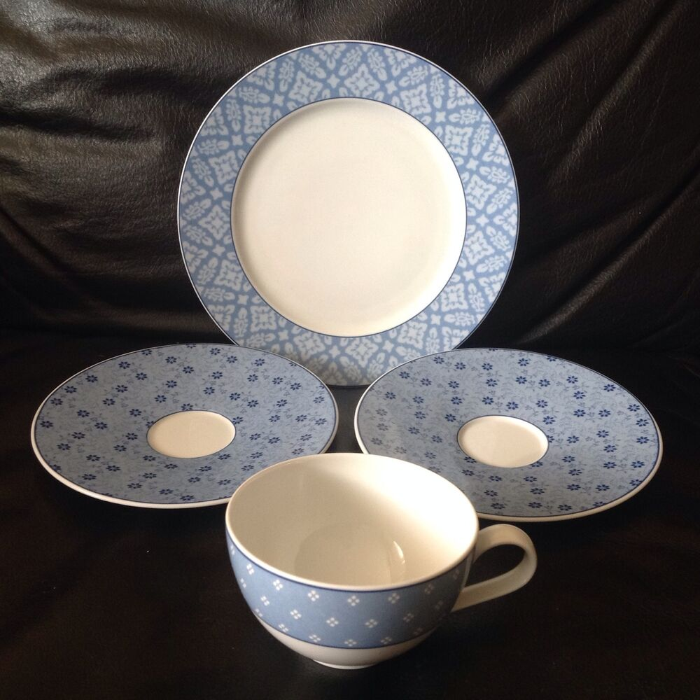 hutschenreuther germany laura ashley sally 4 pcs 1 salad plate 2 saucers 1 cup ebay. Black Bedroom Furniture Sets. Home Design Ideas