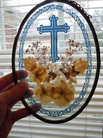 VINTAGE LEADED GLASS OVAL WINDOW HANGER RELIGIOUS CROSS FLORAL PRETTY BLUE OLD