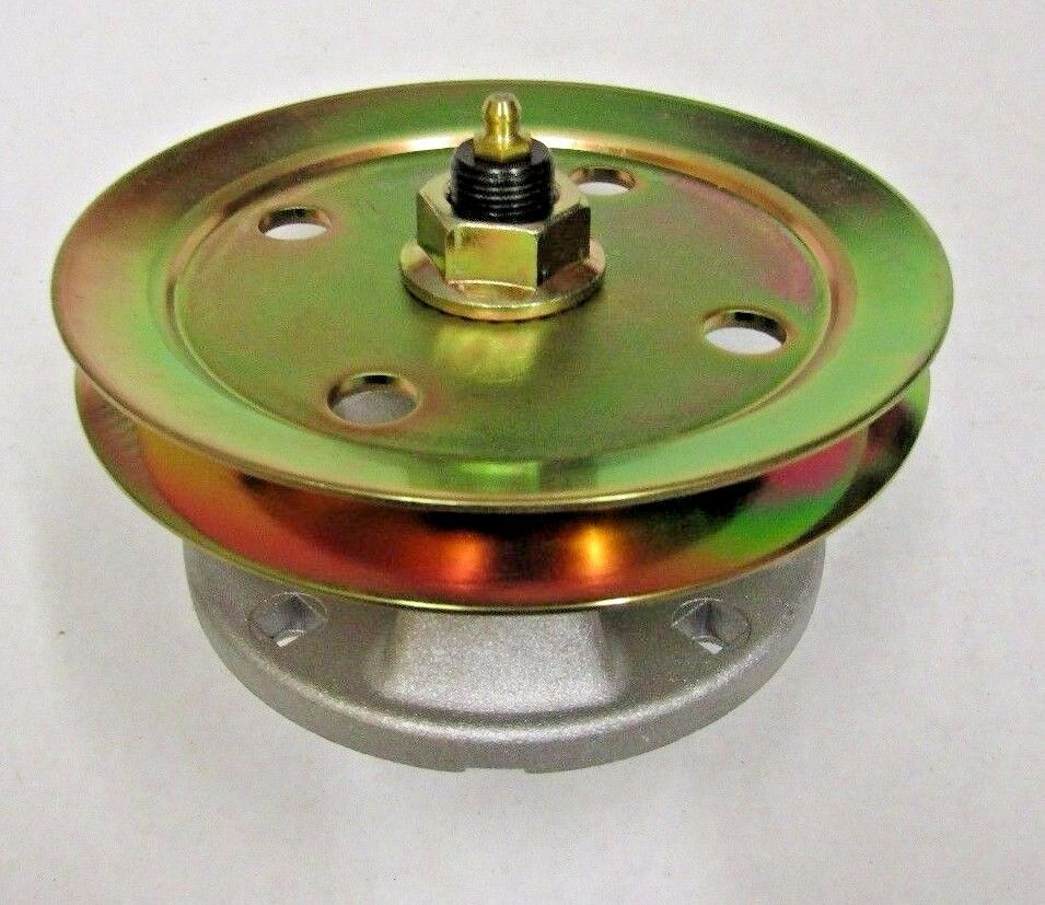 BLADE SPINDLE W/ PULLEY JOHN DEERE AM121229 AM121342 F725 ...