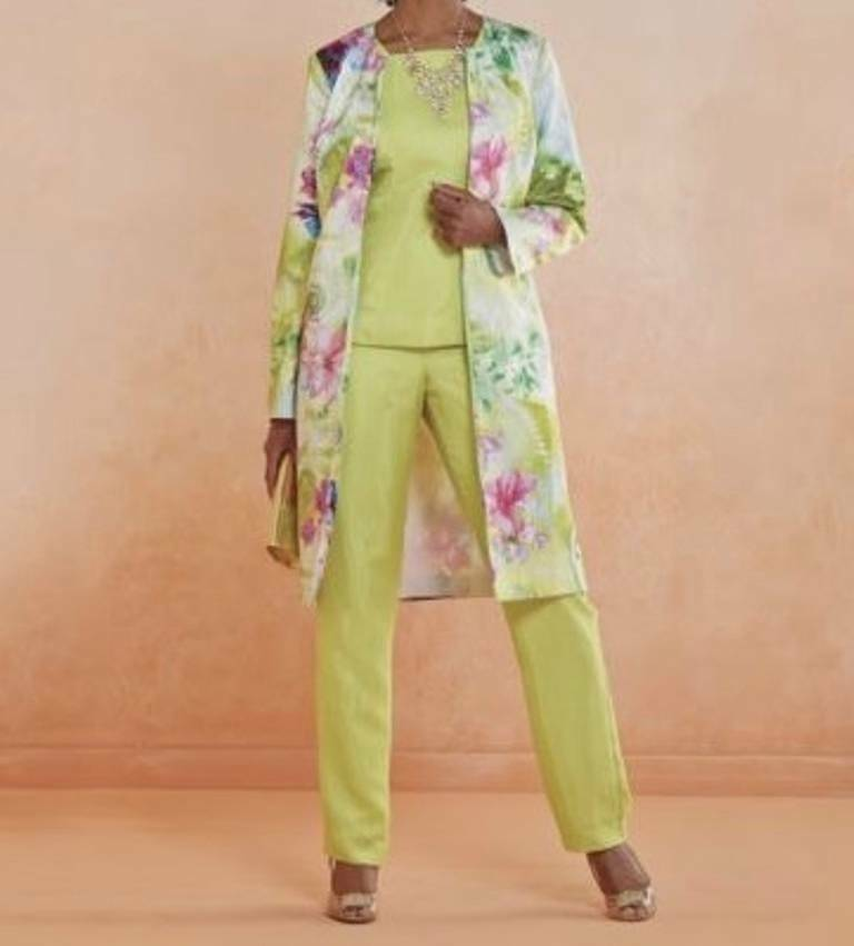 Like party pants, shirts for parties can be very vibrant shades to add energy to the whole ensemble. Women and juniors often choose to wear dresses to parties. For weddings and other very formal occasions, evening gowns or cocktail dresses are a must.