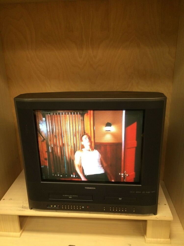 toshiba mw20h63 20 crt tv dvd vhs vcr player combo color 22265000533 ebay. Black Bedroom Furniture Sets. Home Design Ideas
