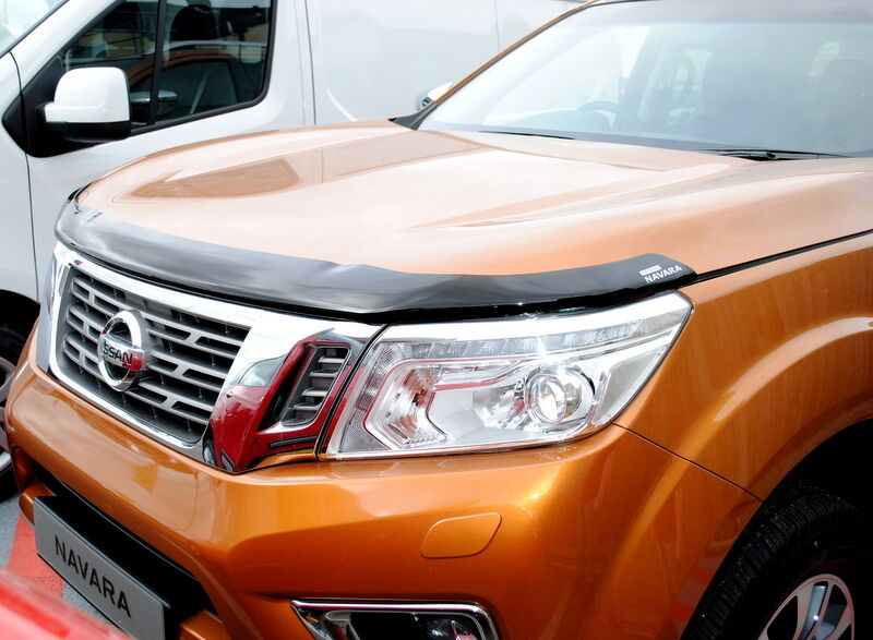 nissan navara np300 hood bonnet deflector stone chip bug. Black Bedroom Furniture Sets. Home Design Ideas