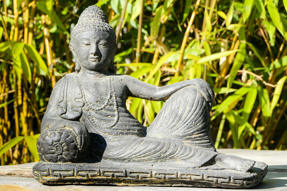 buddha liegend indonesien lavastein skulptur statue feng shui garten deko ebay. Black Bedroom Furniture Sets. Home Design Ideas