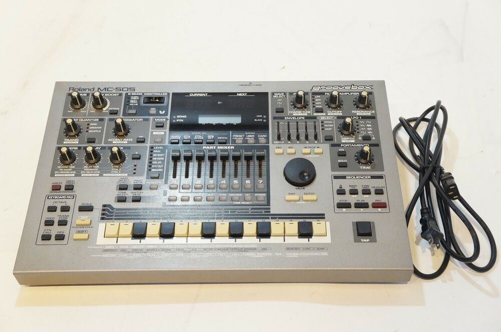 roland mc 505 groovebox synthesizer drum machine sequencer as is ebay. Black Bedroom Furniture Sets. Home Design Ideas
