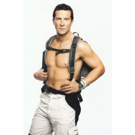 img-Bear Grylls UNSIGNED photo - 3034 - TOPLESS!!!!!