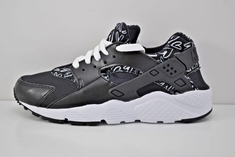 ee29733b95c7 Details about Nike Huarache Run Print GS Running Shoes Size 4Y - 6Y Black  White 704946 004