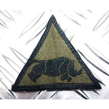 img-Genuine British Army Armoured Division Charging Rhino Triangle Patch / Badge