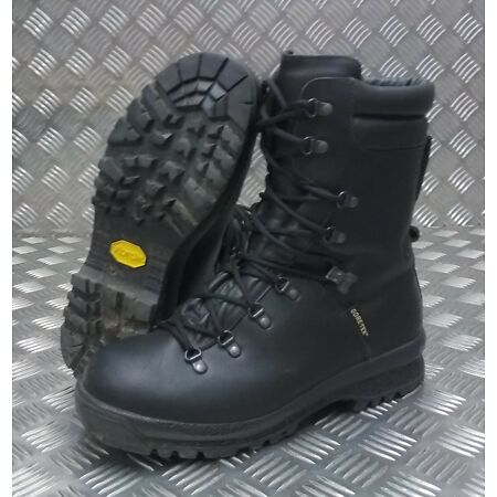 img-Genuine British Military Goretex Cold Wet Weather Assault Black Leather Boots