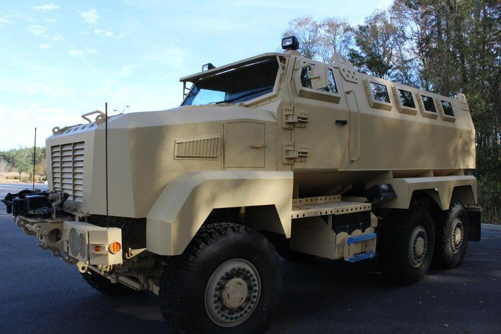 customized military vehicle built on a 6x6 caiman chassis ebay. Black Bedroom Furniture Sets. Home Design Ideas