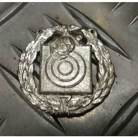 img-Genuine Vintage U.S.M.C Marksman Badge Shield Metal Badge Marine Corps Obsolete