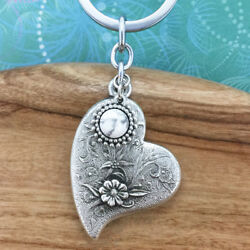 Heart and Flowers Keyring Keychain with White Howlite Charm