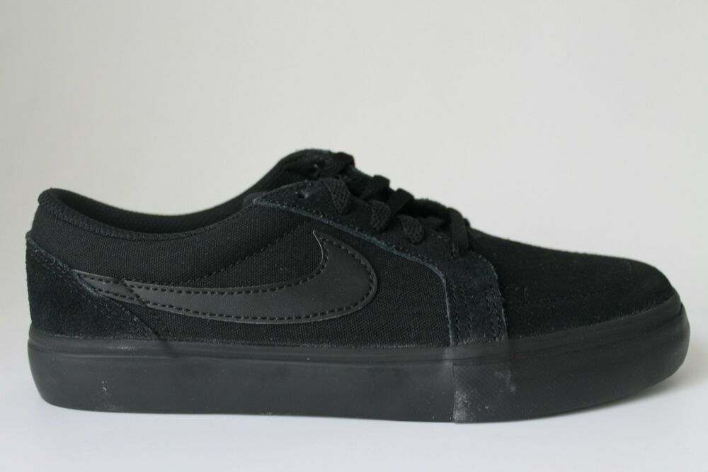 100% authentic b0f06 30ed3 NIKE SB SATIRE II KIDS WOMENS BLACK ANTHRACITE YOUTHS 729810-003 SHOES  TRAINERS   eBay