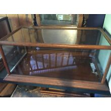 ANTIQUE DISPLAY CASE (PICKUP ONLY)