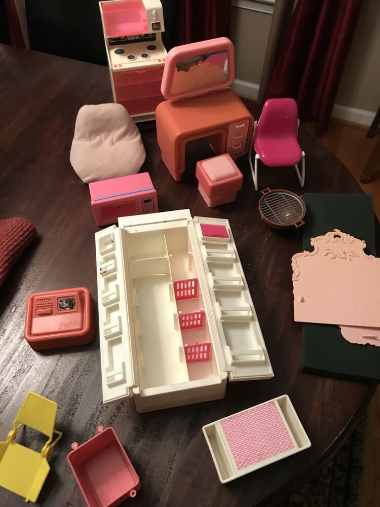 Vintage Barbie Dream House Furniture Amp Accessories Ebay