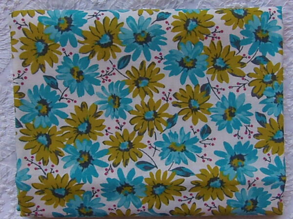NEW & HTF Quilter's Showcase Retro TURQUOISE & GREEN DAISIES *100% Cotton*