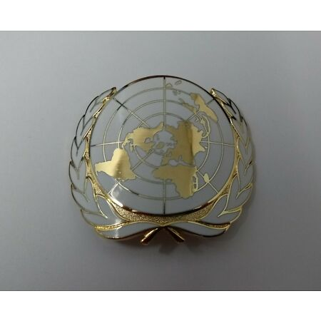 img-Genuine British Military Issue UN United Nations Insignia Hat / Cap Badge NEW