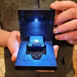 Kyпить Deluxe LED Lighted Ring Box Velvet Jewelry Gift Wedding Proposal Engagement 3.5